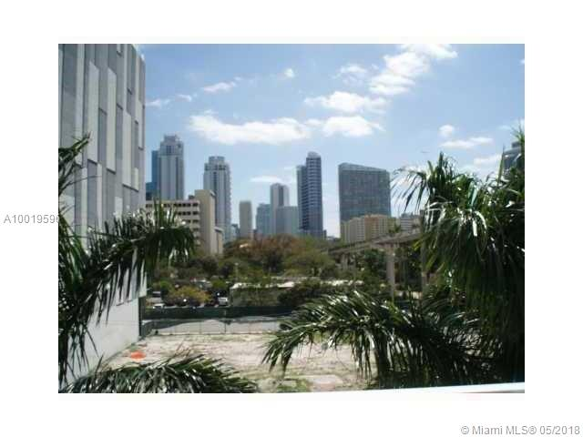 Brickell on the River South image #5