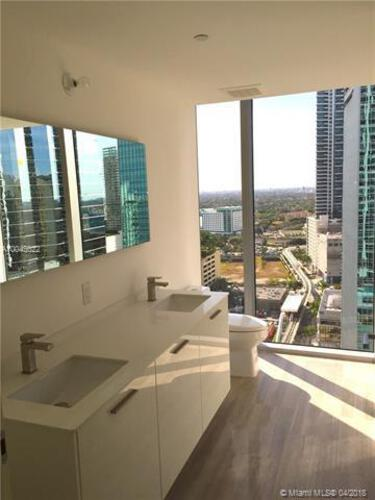 Brickell House image #12