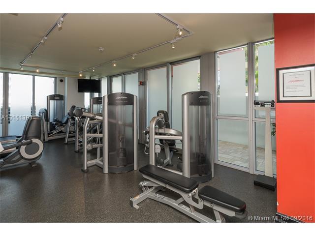 Bentley Beach Hilton Unit #918 Condo for Sale in South Beach