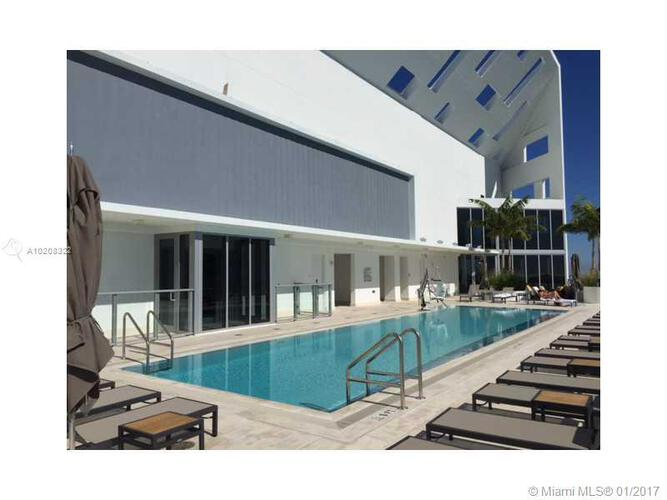 Brickell House image #19