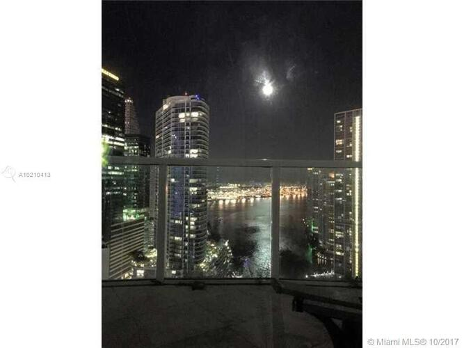 Brickell on the River North image #10