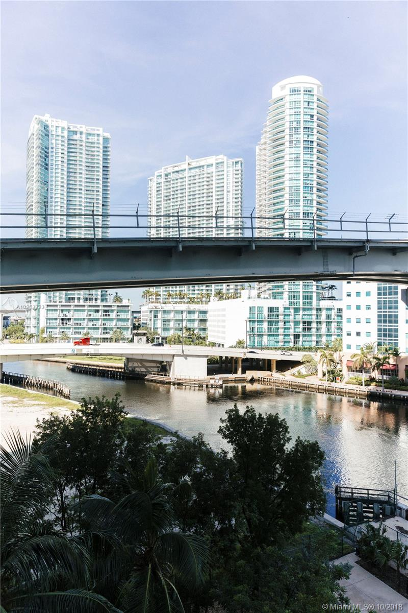 Brickell on the River North image #39
