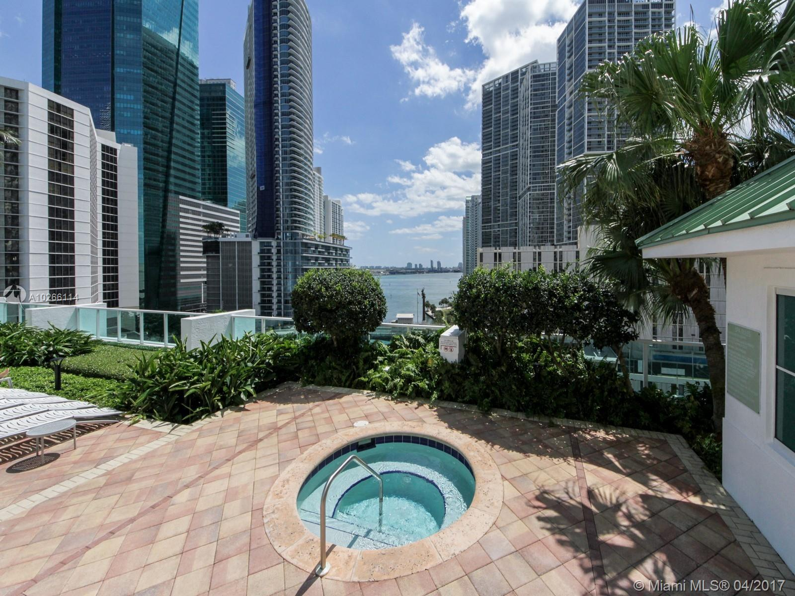 Brickell on the River South image #22