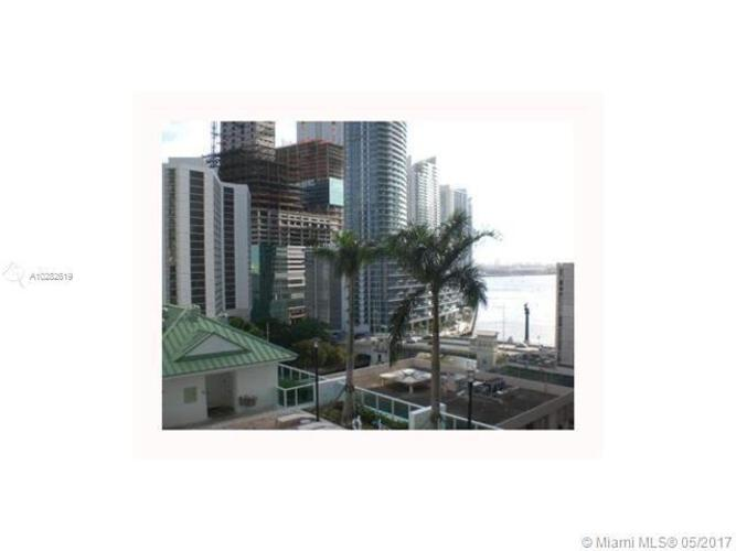 Brickell on the River South image #13