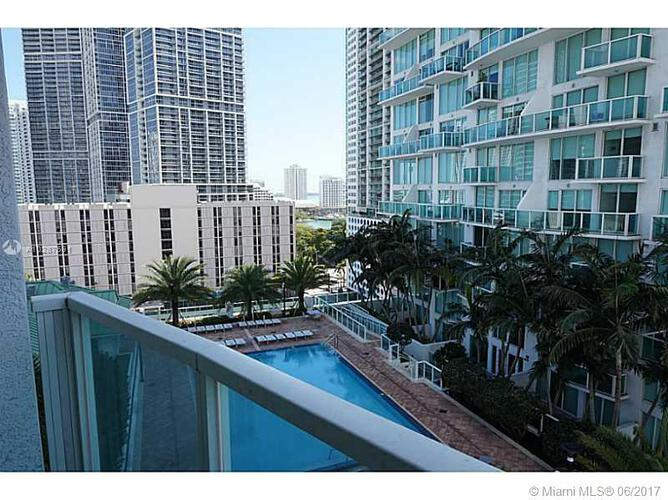 Brickell on the River North image #7
