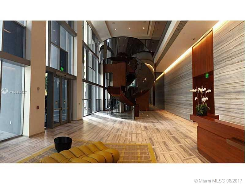 Brickell House image #10
