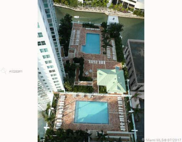 Brickell on the River South image #19