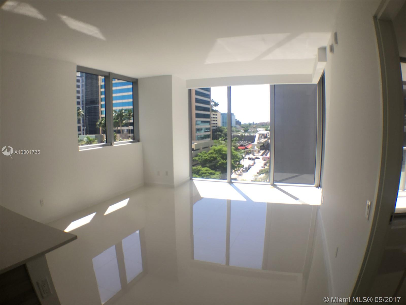 Brickell House image #14