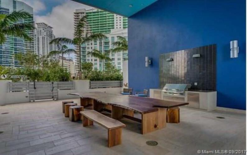 Brickell House image #40