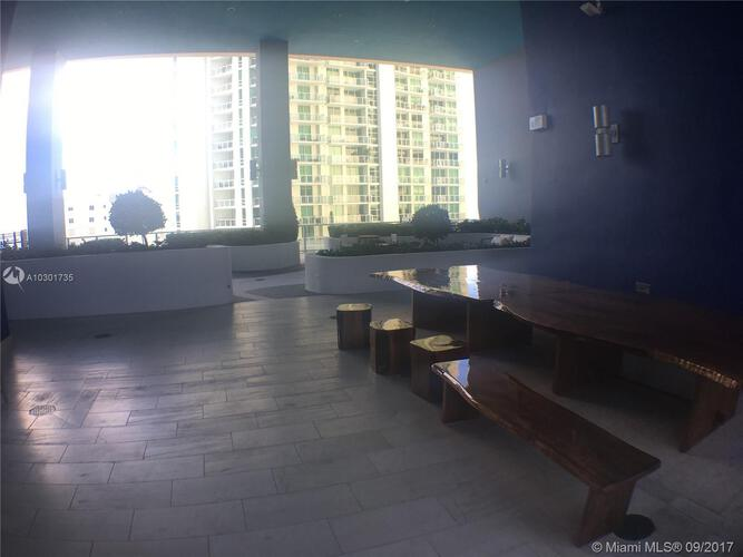 Brickell House image #42