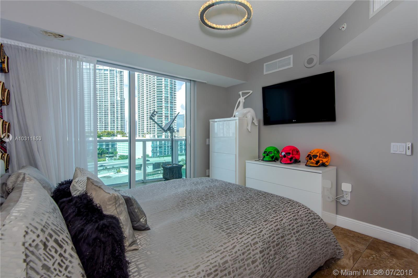 41 SE 5th Street, Miami, FL 33131-2504, Brickell on the River South #717, Brickell, Miami A10311853 image #5