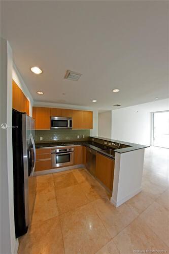 1050 Brickell Ave & 1060 Brickell Avenue, Miami FL 33131, Avenue 1060 Brickell #3911, Brickell, Miami A10313279 image #3