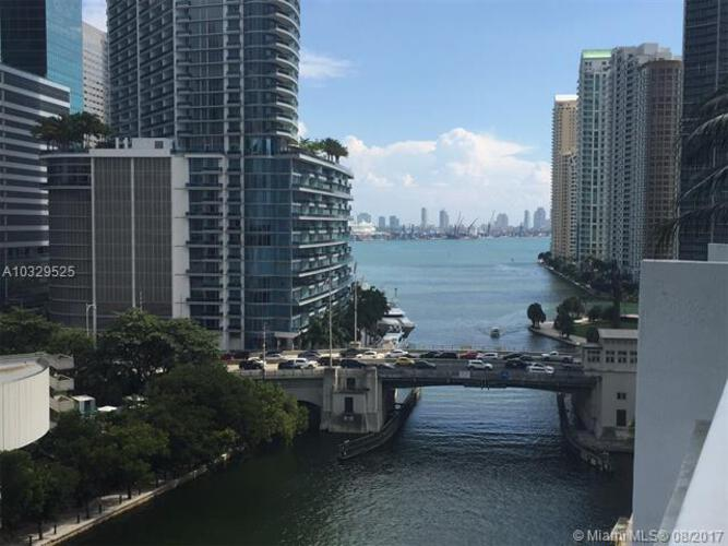 Brickell on the River South image #14