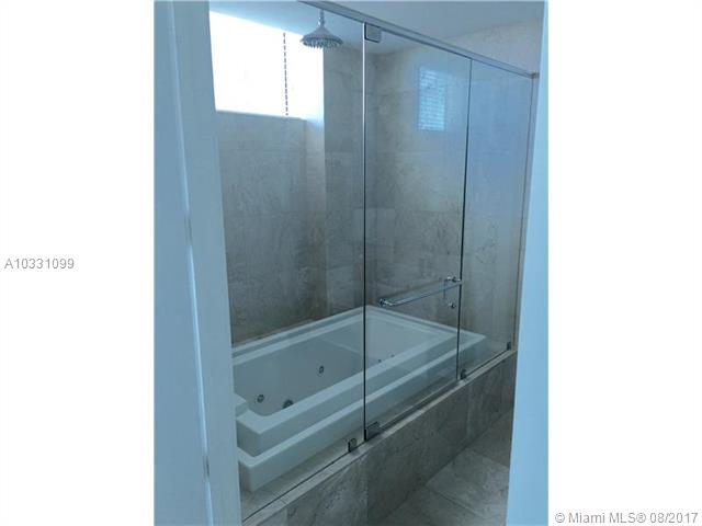 218 SE 14th St, Miami, Fl 33131, Emerald at Brickell #TS207, Brickell, Miami A10331099 image #5
