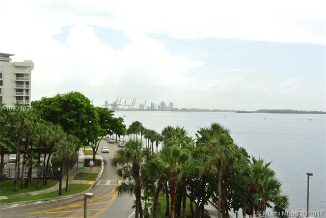 Brickell Harbour image #9