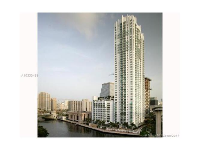 Brickell on the River South image #36