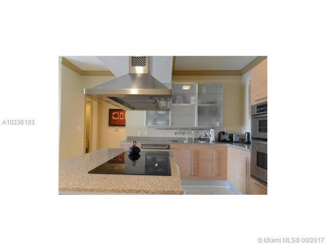 218 SE 14th St, Miami, Fl 33131, Emerald at Brickell #1003, Brickell, Miami A10336193 image #4