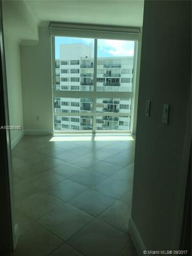 218 SE 14th St, Miami, Fl 33131, Emerald at Brickell #1003, Brickell, Miami A10336193 image #7