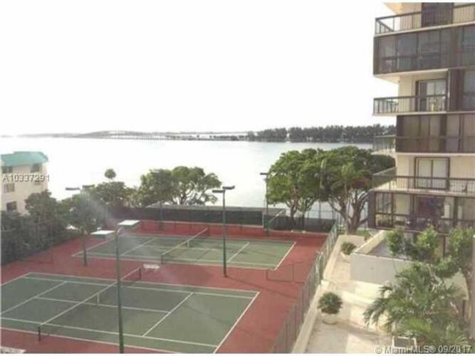 Brickell Bay Club image #7