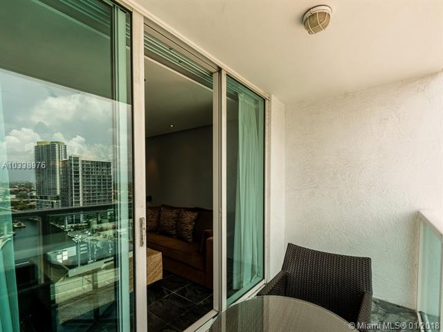 Brickell on the River North image #16