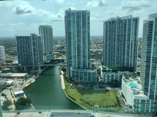Brickell on the River North image #23