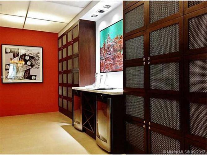 500 Brickell image #4