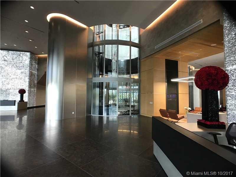 Porsche Design Tower image #11