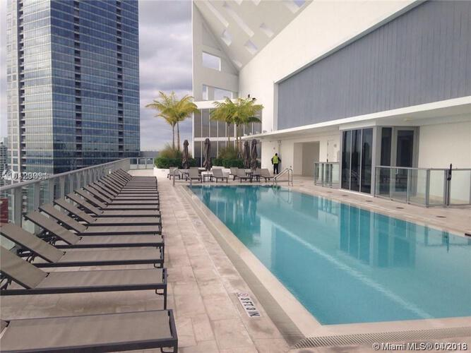Brickell House image #26