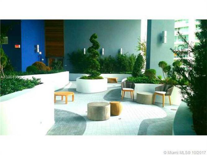 Brickell House image #24