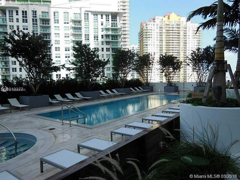 Brickell House image #9