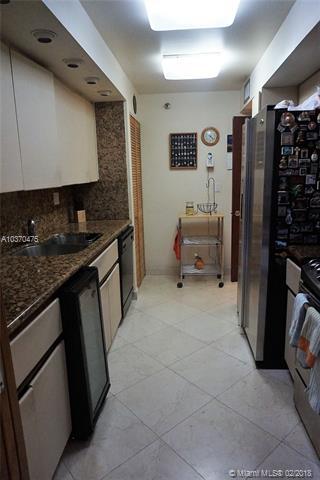 Brickell East image #18
