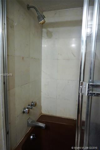 Brickell East image #30