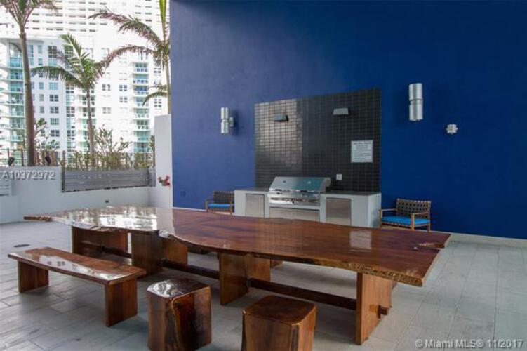 Brickell House image #33
