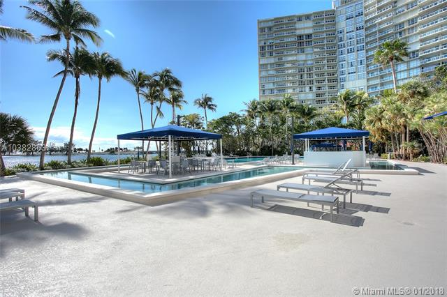 Brickell Bay Club image #21
