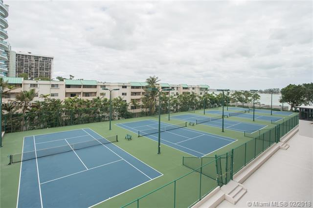 Brickell Bay Club image #16