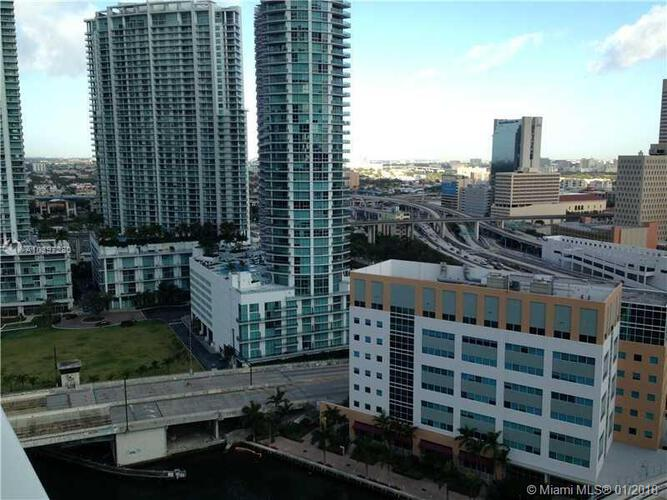 Brickell on the River North image #20