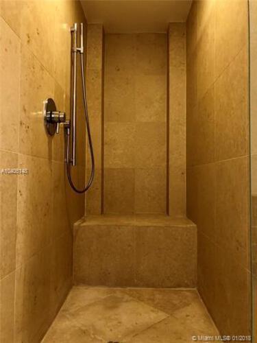 Icon Brickell I image #13