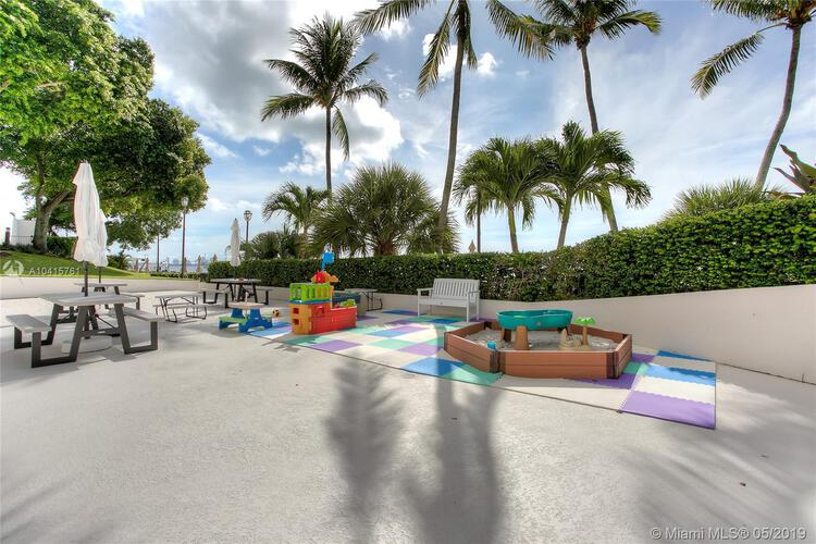 Brickell Bay Club image #24