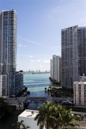 Brickell on the River North image #24