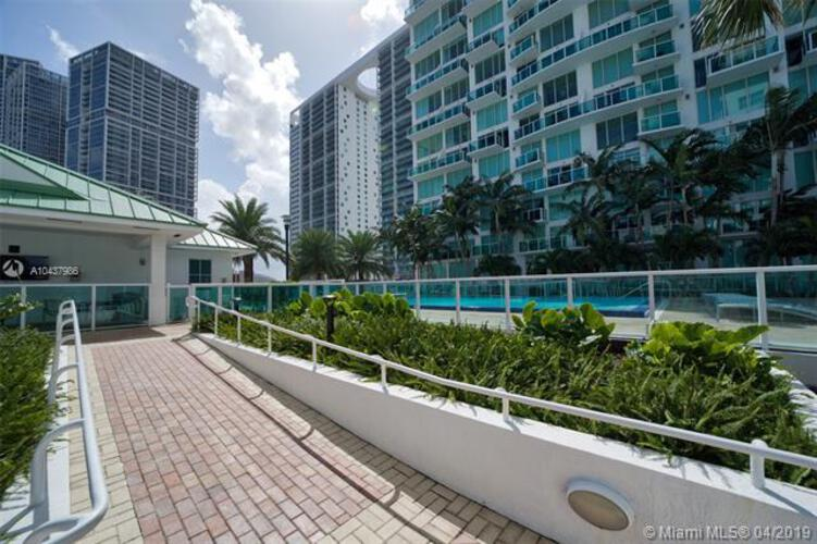 Brickell on the River North image #32