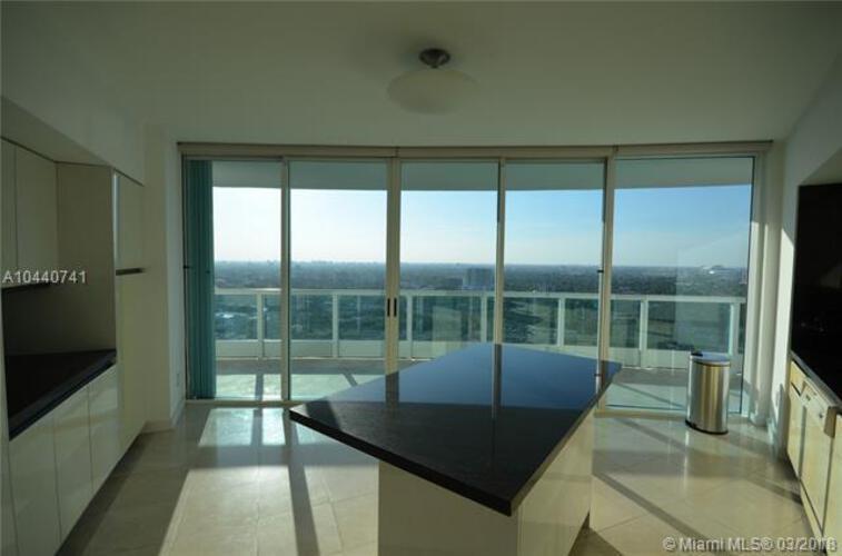 Bristol Tower Condominium image #8