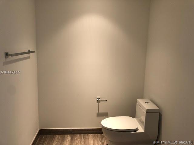 1010 Brickell image #37