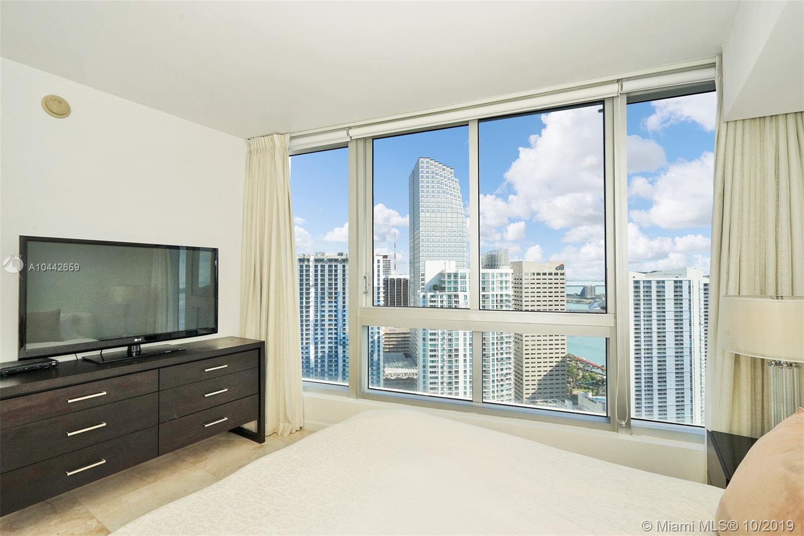 465 Brickell Ave, Miami, FL 33131, Icon Brickell I #4201, Brickell, Miami A10442659 image #19