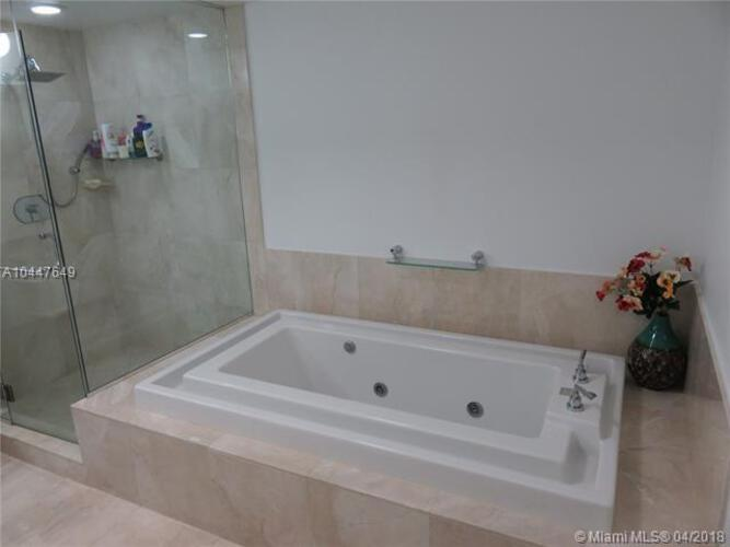 218 SE 14th St, Miami, Fl 33131, Emerald at Brickell #1503, Brickell, Miami A10447649 image #11