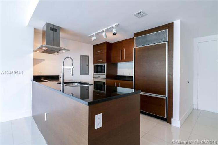 495 Brickell Ave, Miami, FL 33131, Icon Brickell II #403, Brickell, Miami A10450641 image #2