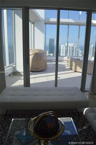 495 Brickell Ave, Miami, FL 33131, Icon Brickell II #PH 5701, Brickell, Miami A10467623 image #11
