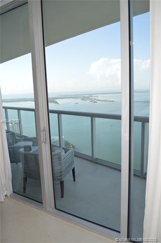 495 Brickell Ave, Miami, FL 33131, Icon Brickell II #PH 5701, Brickell, Miami A10467623 image #12