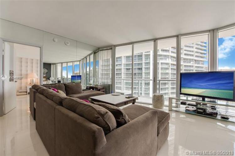 495 Brickell Ave, Miami, FL 33131, Icon Brickell II #3804, Brickell, Miami A10469157 image #2