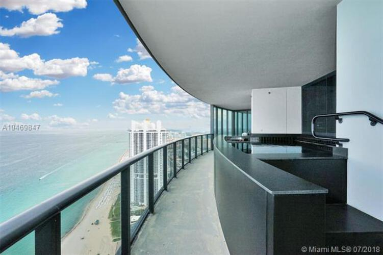 Porsche Design Tower >> Porsche Design Tower Unit 4701 Condo For Sale In Sunny Isles Beach