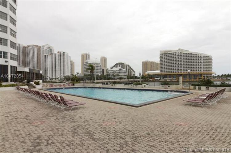 905 Brickell Bay Drive, Miami, FL 33131, Four Ambassadors #207, Brickell, Miami A10472054 image #18